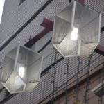 街燈電球のLED化計画実施中:日吉中央通り商店街